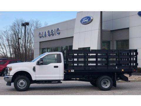 Ford F350 Super Duty XL Regular Cab 4x4 Chassis Stake Truck