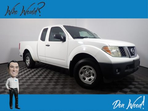 Avalanche White Nissan Frontier XE King Cab.  Click to enlarge.