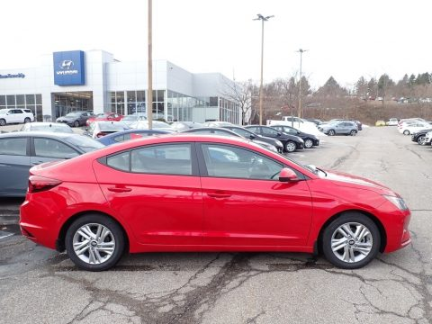 Scarlet Red Pearl Hyundai Elantra Value Edition.  Click to enlarge.