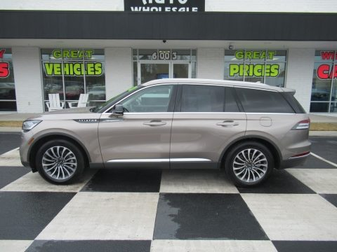 Iced Mocha Lincoln Aviator Reserve.  Click to enlarge.