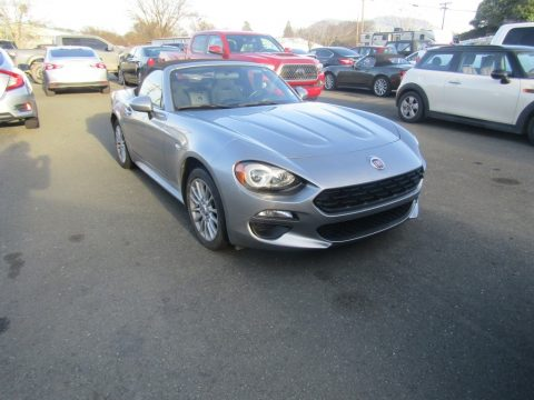 Fiat 124 Spider Lusso Roadster