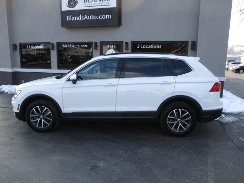 Pure White Volkswagen Tiguan SE 4MOTION.  Click to enlarge.