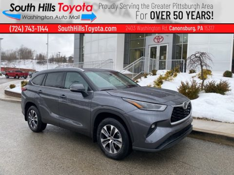 Magnetic Gray Metallic Toyota Highlander XLE AWD.  Click to enlarge.