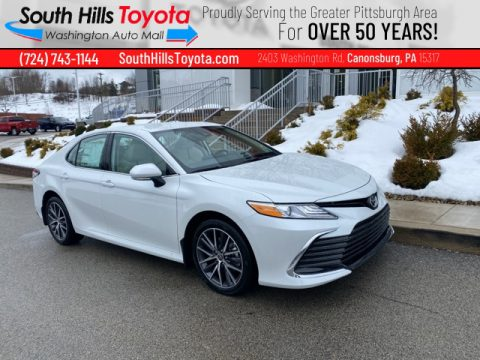 Wind Chill Pearl Toyota Camry XLE AWD.  Click to enlarge.