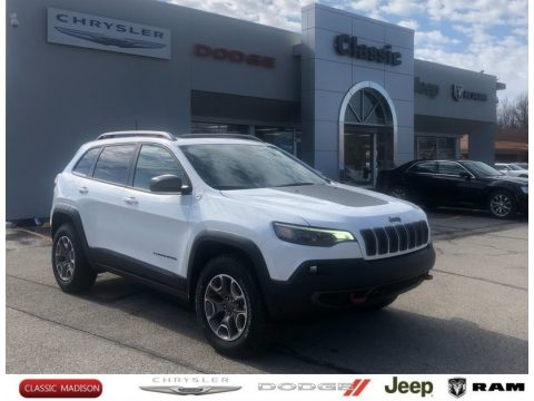 Bright White Jeep Cherokee Traihawk 4x4.  Click to enlarge.