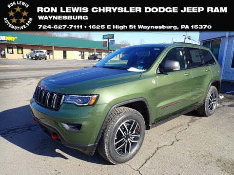 Green Metallic Jeep Grand Cherokee Trailhawk 4x4.  Click to enlarge.