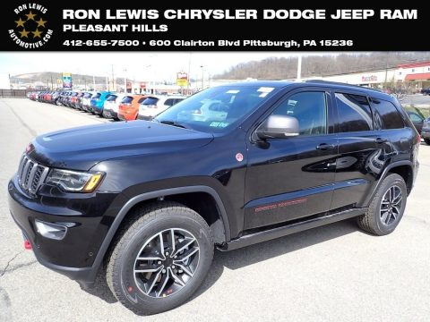 Diamond Black Crystal Pearl Jeep Grand Cherokee Trailhawk 4x4.  Click to enlarge.