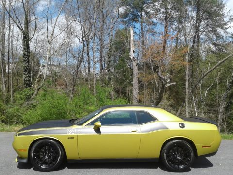Gold Rush Dodge Challenger R/T Scat Pack.  Click to enlarge.