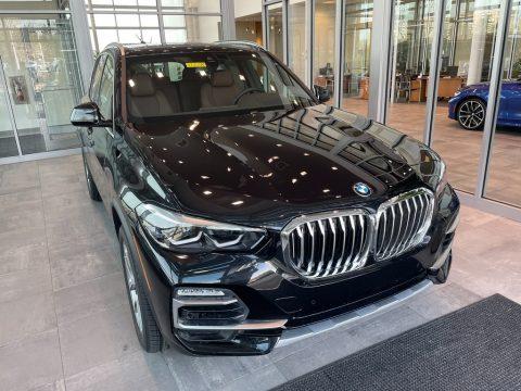 Black Sapphire Metallic BMW X5 xDrive40i.  Click to enlarge.