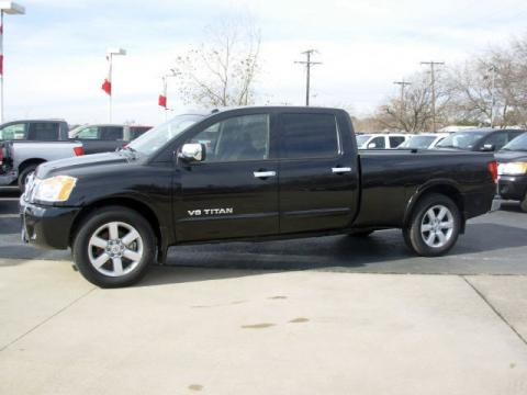 Galaxy Black 2008 Nissan Titan LE Crew Cab with Charcoal interior Galaxy
