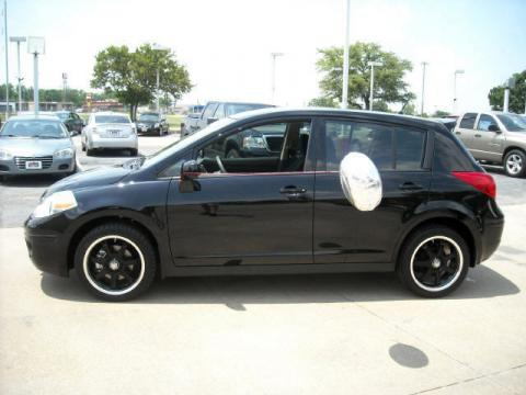 Super Black 2009 Nissan Versa 1.8 S Hatchback with Charcoal interior Super