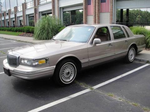 1995+lincoln+town+car+interior
