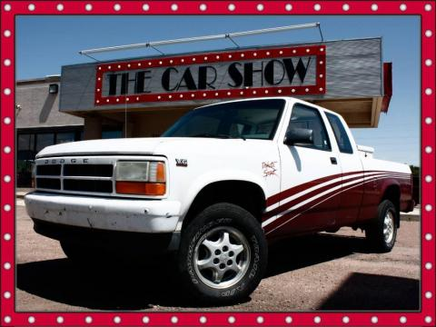 Bright White Dodge Dakota Sport Extended Cab 4x4.  Click to enlarge.