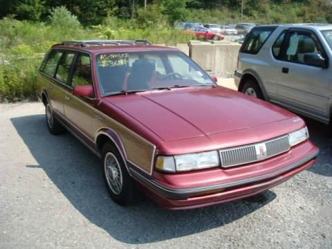 Dark Maple Red Metallic 1990 Oldsmobile Cutlass Ciera SL Cruiser Wagon with
