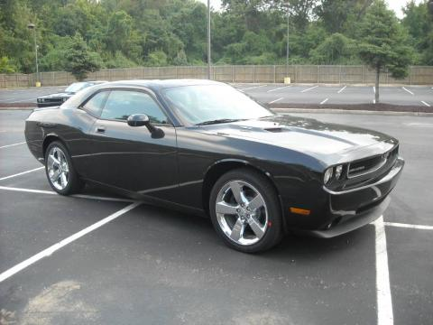 Brilliant Black Crystal Pearl 2010 Dodge Challenger R/T with Dark Slate Gray