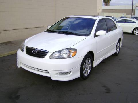 toyota corolla 2007. White 2007 Toyota Corolla