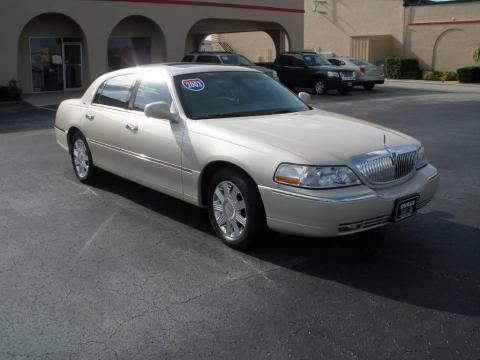 Ivory Parchment Tri Coat 2003 Lincoln Town Car Cartier with Dark