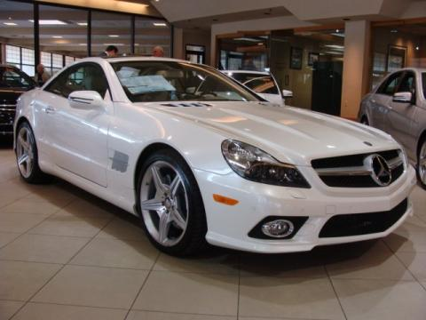Diamond White Metallic Mercedes-Benz SL 550 Roadster.  Click to enlarge.