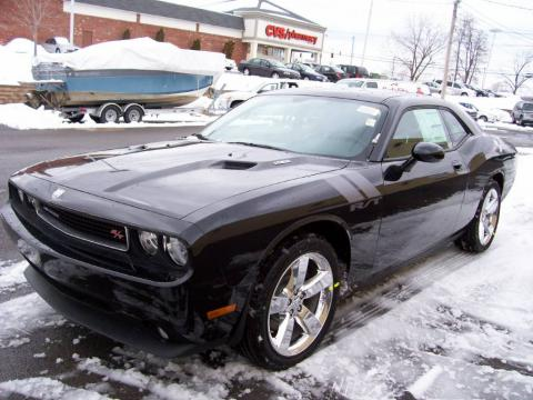 Brilliant Black Crystal Pearl Coat 2009 Dodge Challenger R/T with Dark Slate