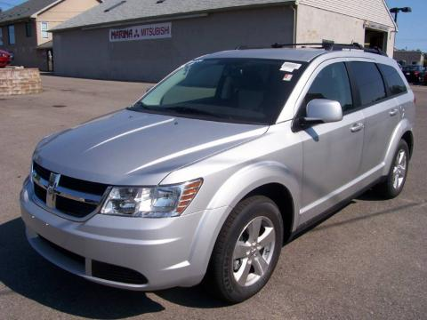 Bright Silver Metallic 2009 Dodge Journey SXT with Dark Slate Gray/Light