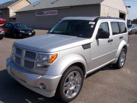 Bright Silver Metallic 2009 Dodge Nitro R/T 4x4 with Dark Slate Gray