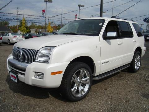 White Platinum Tri-Coat Metallic Mercury Mountaineer V8 Premier AWD.  Click to enlarge.