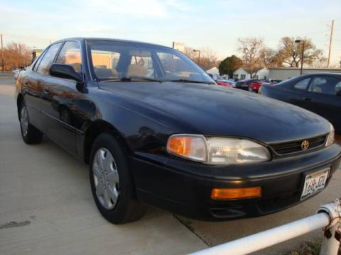 Dark Emerald Green Metallic 1995 Toyota Camry LE V6 Sedan with Gray interior
