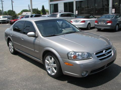 Good Sterling Mist Nissan Maxima GLE. Click To Enlarge.