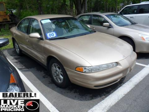 2002 Oldsmobile Intrigue Gl. Sandstone Metallic 2000 Oldsmobile Intrigue GL with Neutral interior
