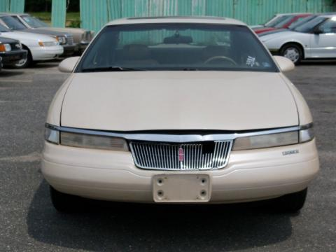 Ivory Pearl Metallic Tricoat Lincoln Mark VIII .  Click to enlarge.