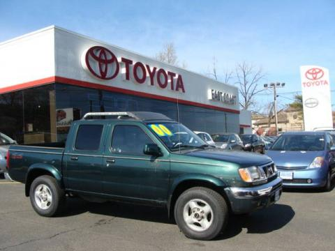Alpine Green 2000 Nissan Frontier SE Crew Cab 4x4 with Gray interior Alpine