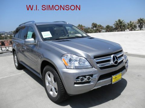 Palladium Silver Metallic Mercedes-Benz GL 450 4Matic.  Click to enlarge.