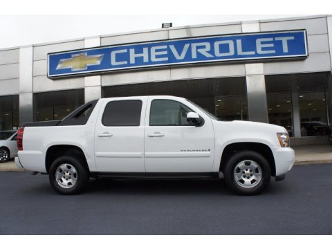 Summit White Chevrolet Avalanche LT 4x4.  Click to enlarge.