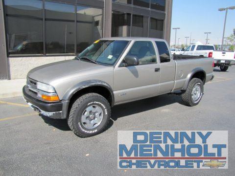 Denny Menholt Chevrolet >> Used 2003 Chevrolet S10 LS Extended Cab 4x4 for Sale - Stock #37171   DealerRevs.com - Dealer ...