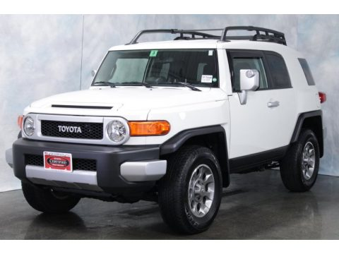 Iceberg White Toyota FJ Cruiser 4WD.  Click to enlarge.