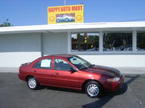 Toreador Red Metallic 1998 Ford Escort SE Sedan with Gray interior Toreador