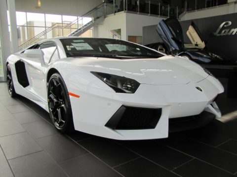 Bianco Isis Lamborghini Aventador LP 700-4.  Click to enlarge.