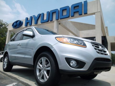 Moonstone Silver Hyundai Santa Fe Limited.  Click to enlarge.