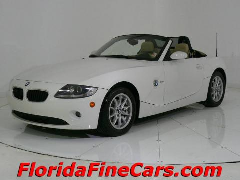 Alpine White 2005 BMW Z4 2.5i Roadster with Dark Beige interior Alpine White