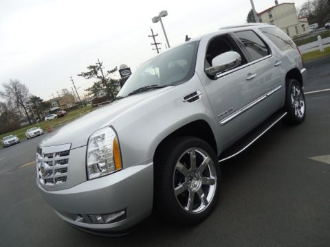 Radiant Silver Metallic Cadillac Escalade Luxury AWD.  Click to enlarge.