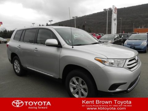 Classic Silver Metallic Toyota Highlander V6 4WD.  Click to enlarge.