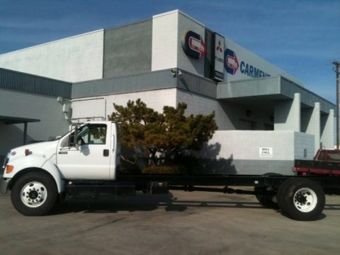 Oxford White Ford F650 Super Duty XL Regular Cab Chassis.  Click to enlarge.