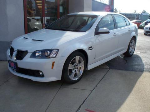 2009 Pontiac G8 White