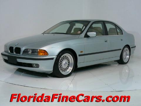 Glacier Green Metallic BMW 5 Series 528i Sedan.  Click to enlarge.