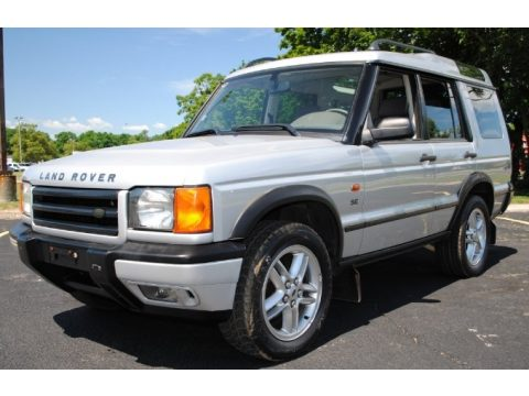 Zambezi Silver Metallic Land Rover Discovery II SE.  Click to enlarge.