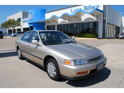 Used 1995 honda accord lx sedan for sale stock for Lute riley honda 1331 n central expy richardson tx 75080