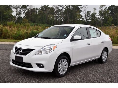 new 2013 nissan versa 1 6 sv sedan for sale stock 9372 dealer car ad 71634314. Black Bedroom Furniture Sets. Home Design Ideas