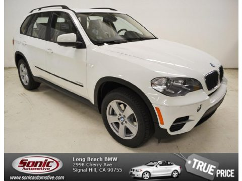 Alpine White BMW X5 xDrive 35i.  Click to enlarge.