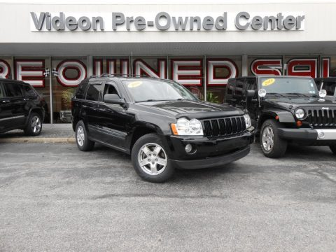 Black Jeep Grand Cherokee Laredo 4x4.  Click to enlarge.