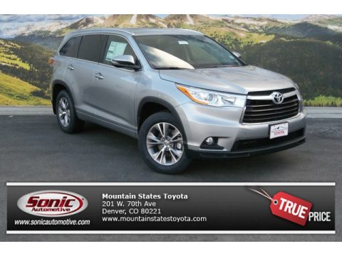 Silver Sky Metallic Toyota Highlander XLE AWD.  Click to enlarge.
